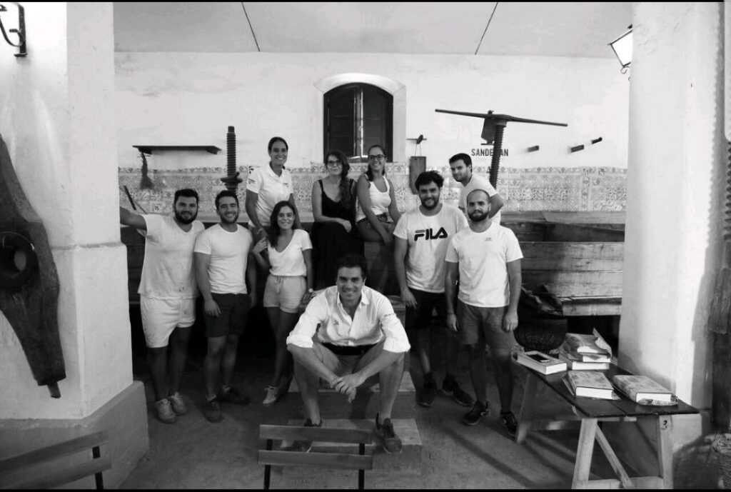 Alumnos de Enología en la bodega Luis Pérez